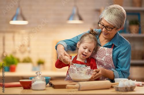 Canvastavla Homemade food and little helper