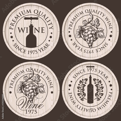 Vector set of emblems or labels of a round shape for wine shop and liquor store Fototapete