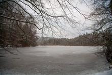 Bonito Paisagem De Lago Congel...