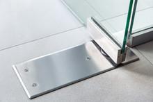 Glass Door Fittings, Swivel Mechanism Holding The Door And Allowing The Door To Turn Close Up.