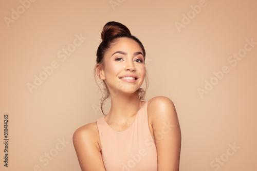 Fotografia, Obraz Smile beautiful brunette woman.