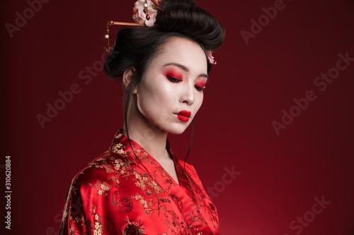 Carta da parati Image of attractive asian geisha woman in traditional japanese kimono