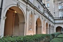 Les Jardins Du Palais Saint Pierre - Musée Des Beaux Arts De Lyon Situé Place Des Terreaux - Ville De Lyon - Département Du Rhône - France - Construit Au 19 ème Siècle