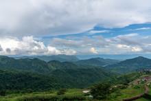 Beautiful Blue Sky High Peak M...