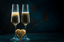Two Elegant Romantic Glasses W...