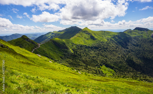 Photo Volcanic mountains from Puy Mary