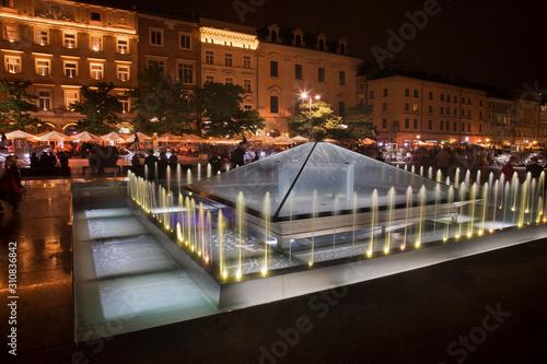 Fototapeta Fountain at Market square in Krakow. Poland obraz