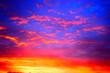 feuriger Sonnenaufgang am kürzesten Tag des Jahres