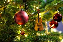 Violin In Christmas Tree Decor...