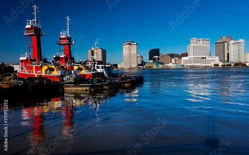 Fotografiet APRIL 27, 2019 NEW ORLEANS, LOUISIANA, USA - Algiers Point harbor faces New Orle