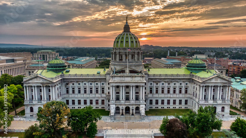 Leinwand Poster Capitol in Harrisburg, Pennsylvania in sunrise, aerial panoramic view