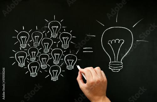 Teamwork Developing Idea Light Bulbs Concept Canvas-taulu