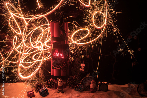 Image of a time bomb against dark background Tablou Canvas
