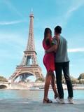 Fototapeta Fototapety z wieżą Eiffla - Couple à Paris, Tour Eiffel