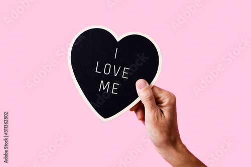 Obraz text I love me in a heart-shaped sign - fototapety do salonu