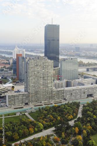Photo Wien, Skyline, Donaucity, DC Tower 1, 2013, höchstes Gebäude v