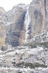 Fototapeta na wymiar Winter Snow in Yosemite NP