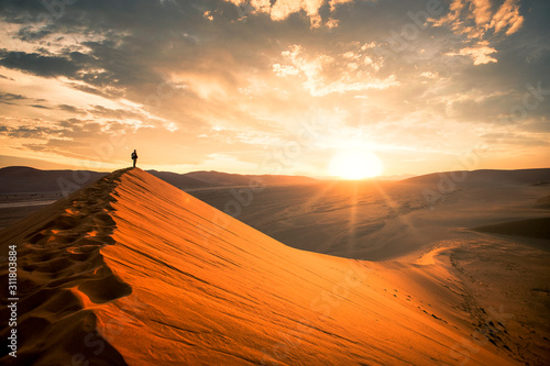 Dramatic sunrise in the Namibian desert Fototapeta