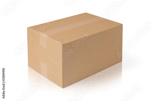Foto 宅配便のダンボールの箱