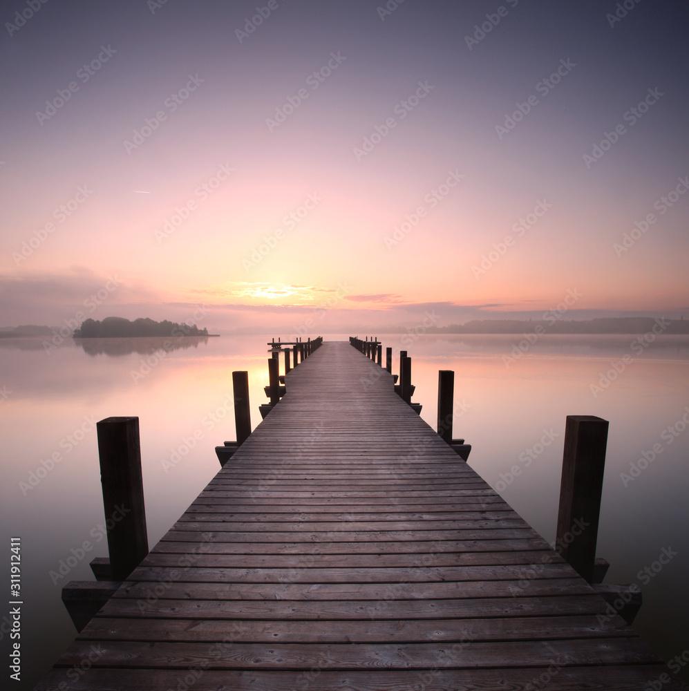 Fototapeta Holzsteg am See am Morgen