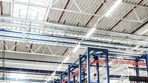 Oświetlenie LED, hala przemysłowa
