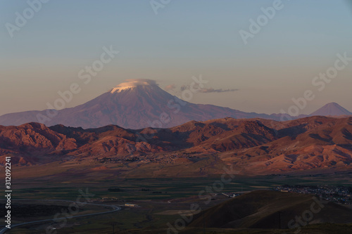 Photo Mount Agri or Ararat is the highest mountain in Turkey.