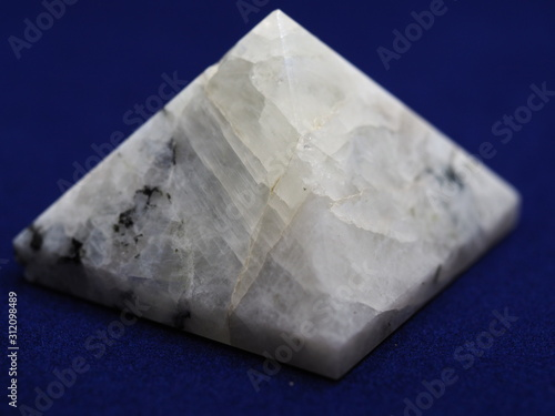 Valokuvatapetti Close up of a Rainbow Moonstone Pyramid