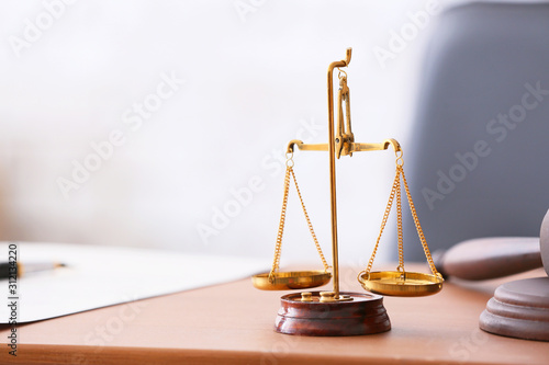Obraz Scales of justice on lawyer's workplace - fototapety do salonu