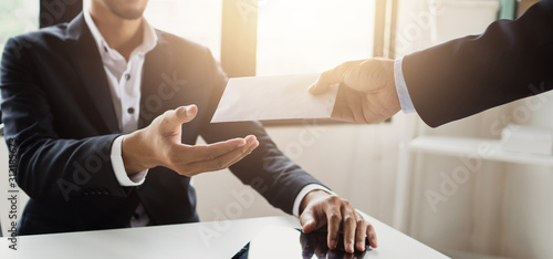 close up hand of employee receive bonus from manager Fototapet