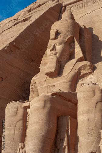 Abu Simbel - Colossus of Ramesses II on the Great Temple Fototapet