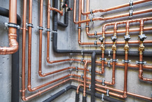 Plumbing Service. Copper Pipel...