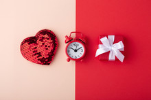 Glitter Heart With Clock And R...
