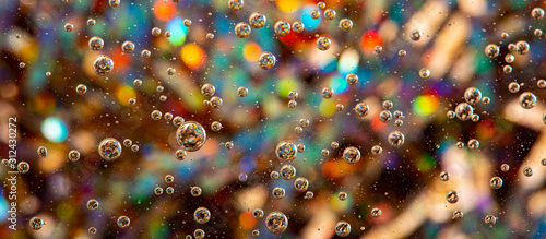 Obraz oil in water - macro photography with nice colors - fototapety do salonu