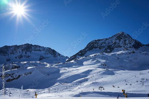 Stubaier gletscher, Austria - February 17, 2019 - In Austria's largest glacier ski area winter sports Tapéta, Fotótapéta