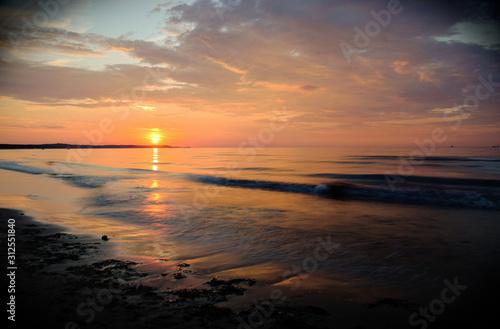 Zachód słońca na plaży w Świnoujściu - 312551840