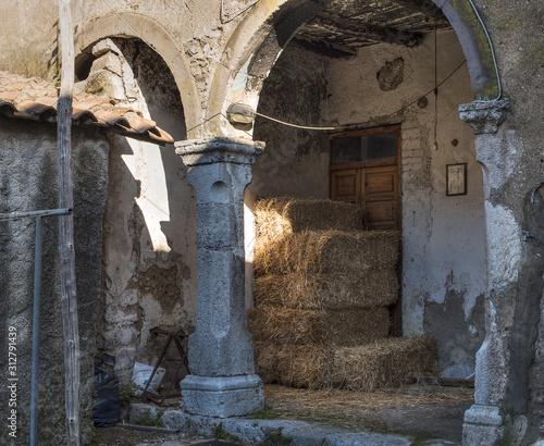 Aterrana, un borgo antico in Italia Wallpaper Mural