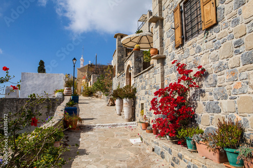 traditional-houses-and-old-buildings-at-the-village-of-anatoli-crete