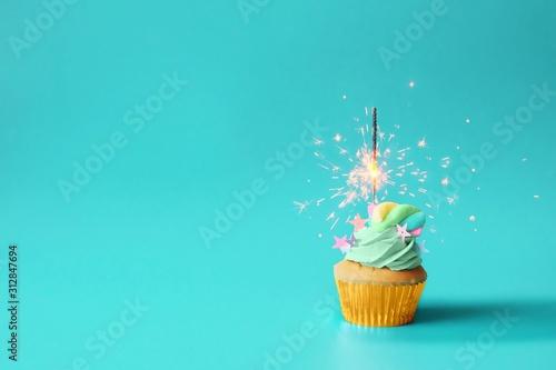 Fototapeta cupcake with candle obraz
