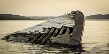 Great Lakes Shipwreck. Histori...