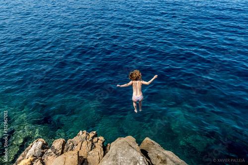 Fotografie, Obraz Chica Saltando