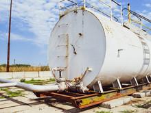 Reservoir For Sludge Of Oil Em...