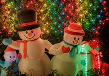 Snowman Family Decorating Fron...