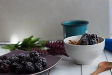 Desayuno Con Zarzamoras Y Cereal