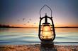canvas print picture - romantische Lampe am See
