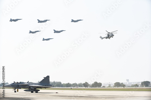 Photo Combat aircraft practicing through the white background