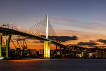福岡都市高速荒津大橋