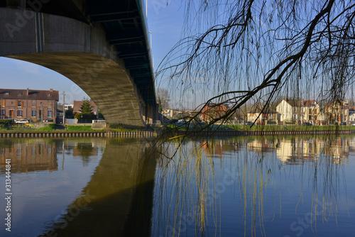 Sous le Pont Boussiron et saule pleureur à Conflans-Sainte-Honorine (78700), Yve Canvas Print