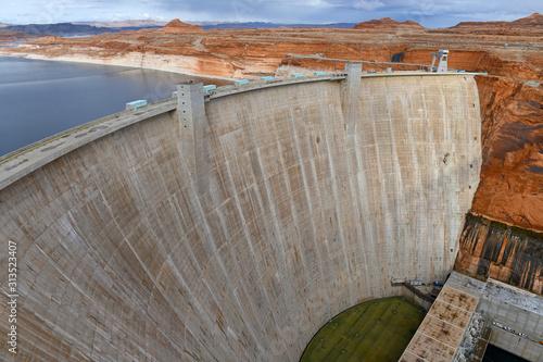 Glen Canyon Dam on Colorado River which creates Lake Powell near Page Arizona фототапет