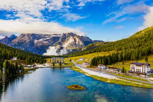 Photo Tre Cime di Lavaredo peaks seen from Misurina lake in Dolomites, Italy in winter, Belluno-Trentino Alto Adige border