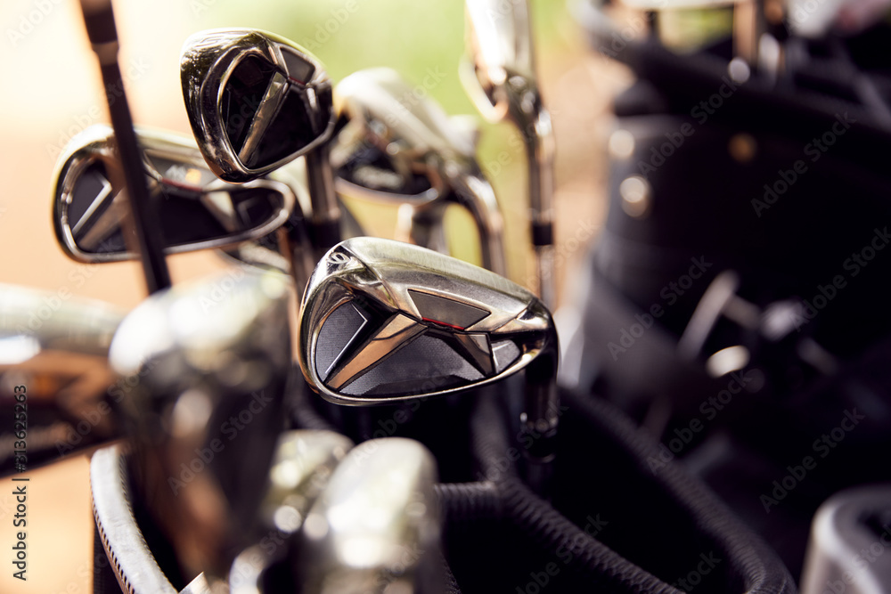 Obraz Close Up Of Clubs In Bag On Golf Buggy fototapeta, plakat